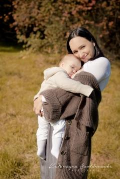 Mama karmiąca sesja fotograficzna w Krakowie. Projekt the milky way.Breastfeeding photo Cracow