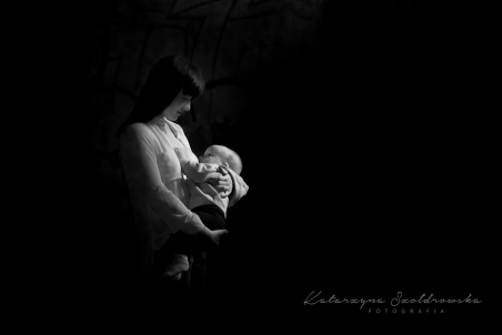 Projekt the Milky Way. sesja mamy karmiącej piersią w krakowie os Złotego Wieku Prądnik.Breastfeeding photo session Cracow