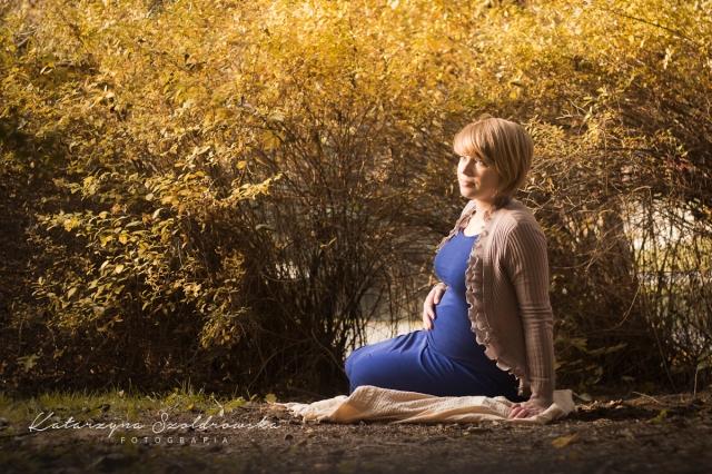 Sesje fotograficzne kobiet w ciązy w Krakowie Nowa Huta Mistrzejowice Maternity photo Cracow